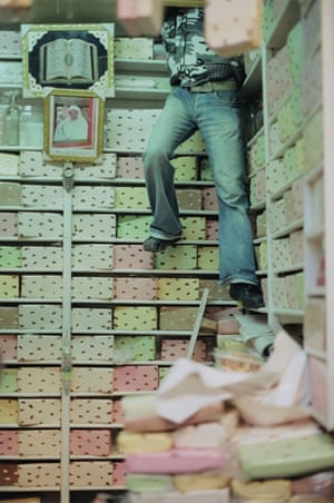 Been there photo comp: Man in nougat shop