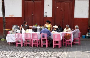 been there: Mexcican family at dinner