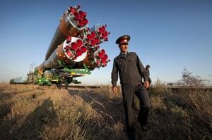 Soyuz spacecraft: Soyuz prepares to launch crew of expedition 21