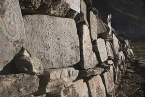 Great Himalayan Trail: Mani stones, Langtang