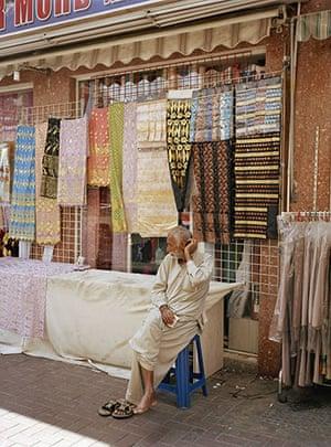 Raymond Depardon: Cities: United Arab Emirates, Dubai: textiles shop
