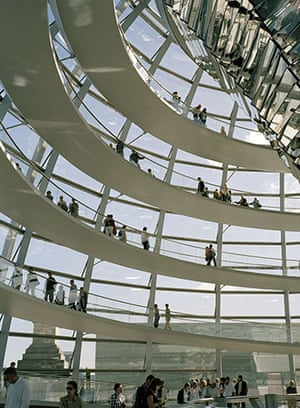 Raymond Depardon: Cities: Germany, Berlin, 2004: Reichstag, contemporary architecture