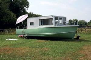 My Cool Caravan: Amphibious caravan