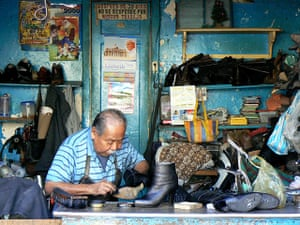 August Been there comp: A cobbler in Mexico City