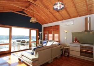 Travel airbnb: airbnb Malabar