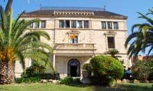 Mare de Deu de Montserrat Hostel