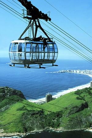 Bond countries: Moonraker James Bond cable car fight scene in Brazil
