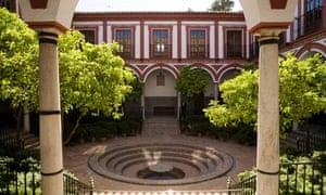 Courtyard garden, terrace and fountain of Hospital de Venerables Sacerdotes, Seville