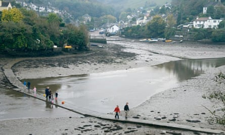 Noss Mayo in south devon at low tide