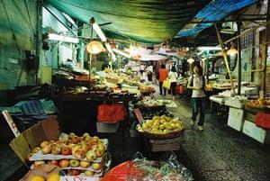 Hong Kong photoblogger: Graham Street Market