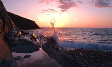 Abermawr Pembrokeshire, sunset at high tide