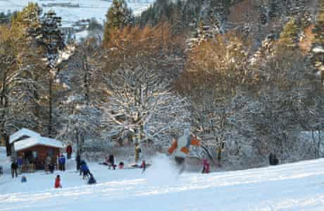 Skiing and snowboarding in Allenheads, Northumberland