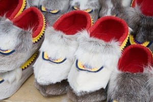 Sami Lapland: Sami traditional shoe at Jokkmokk historic market