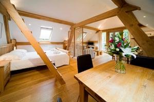 cool cottages devon: Hayloft Cornworthy interior