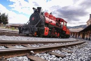Ecuador train: Steam train at a station