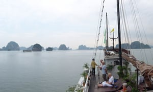 An boat trip to Halong Bay.