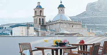 Hospes Amerigo, Alicante