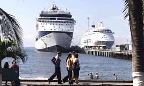 Cruise ships in Costa Rica