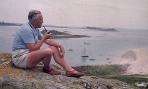 Harold Wilson on holiday in the Scilly Isles, 1965
