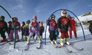 Children in ski school