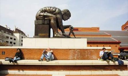 Eduardo Paolozzi's statue of Newton, British Library, London