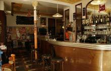 Paris bars a vins: Piston Pelican