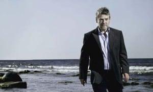 Kenneth Branagh on location on Ystad beach for Wallander