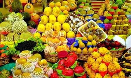 Fruit market in São Paulo, Brazil
