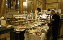 Aperitivo tradition in Turin: Caffe San Carlo
