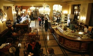 Aperitivo tradition in Turin: Caffe San Carlo