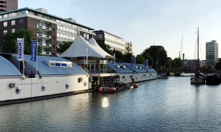 H2otel floating hotel in Rotterdam