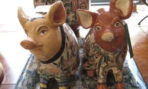 Decorative swine at the Arts Centre at Tlaquepaque
