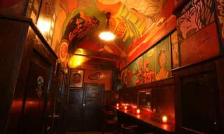 Chapeau Rouge club, Prague