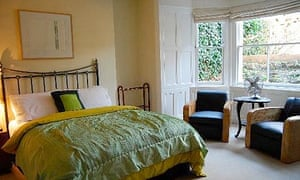 Alexanders Rooms