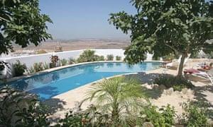The pool at La Vista de Medina