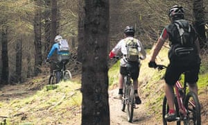 Young Mountain Bikers ride at Afan Forest Park in South Wales. Image shot 2006. Exact date unknown.