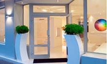 10 of the best boutique hotels on paris 39 s right bank for Color design hotel paris