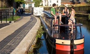 Canal boat to London Fields