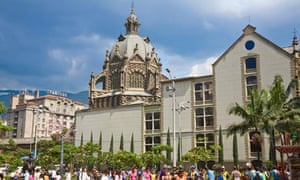 Medellin – Basilica de la Candelaria and Park Berrio