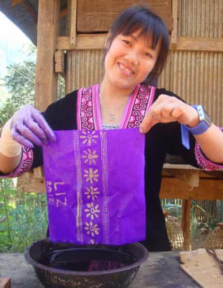 Batik-making at Lanjia Lodge.