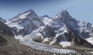 Mount Everest in gigapixel photograph