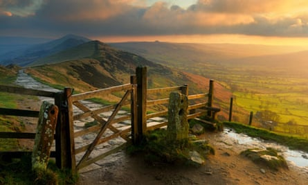 Sunrise on Mam Tor, Peak District