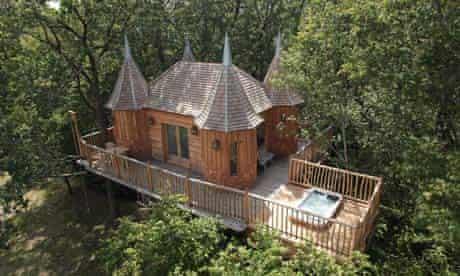 Dordogne treehouse