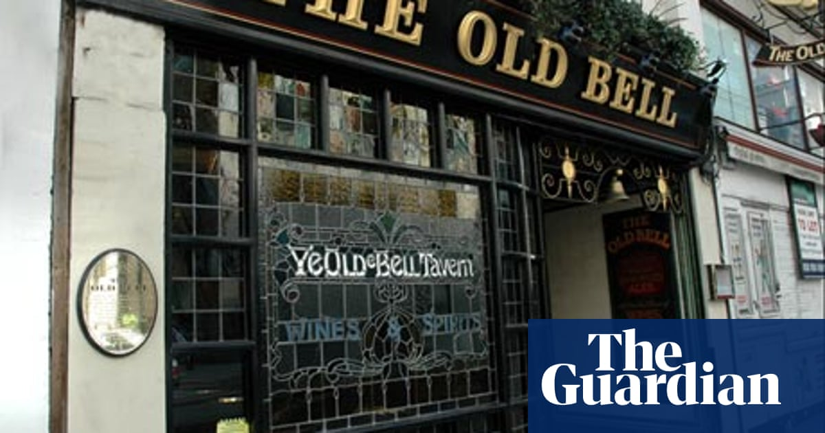 Historic Pubs And Places To Eat In London London Holidays The Guardian