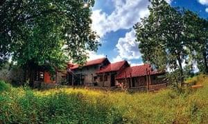 Kanha Earth Lodge, India