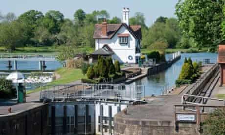 Goring Lock on The River Thames