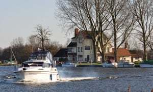 The Beauchamp Arms on the river Yare