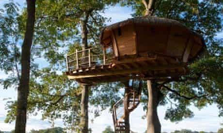 Treehouse, Chateau de Lez-Eaux, France