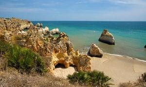 Praia dos Tres Irmaos, Portugal