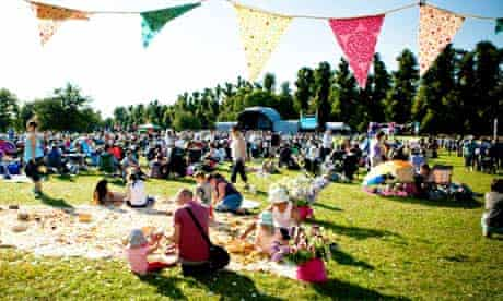 Folk by the Oak festival